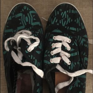 Shoes - FREE WITH PURCHASE OF $30